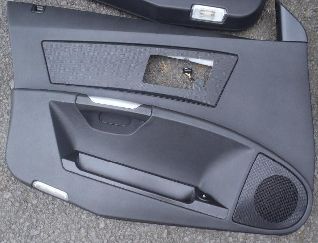 04-07 Cadillac CTSV Left Front Door Panel Black