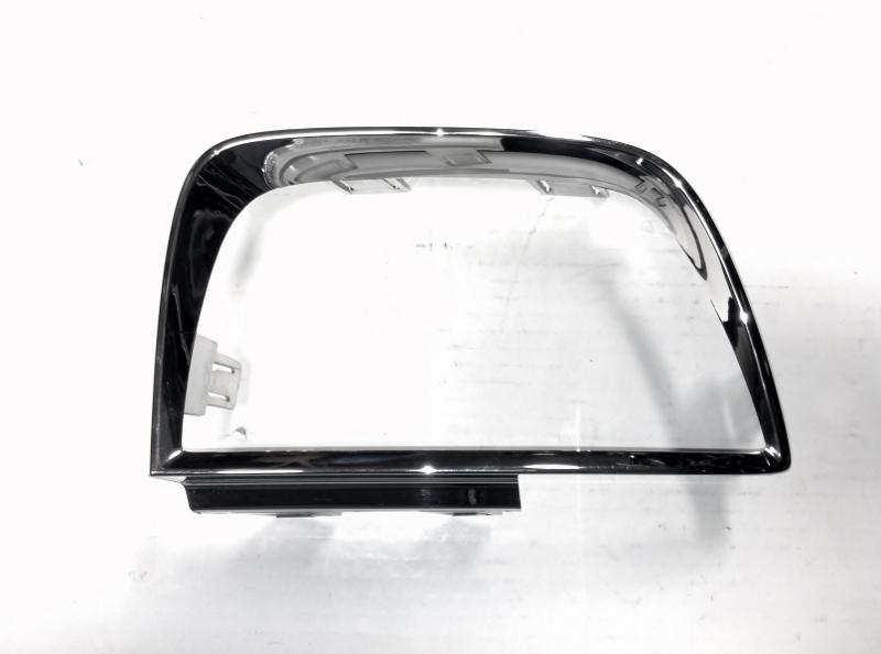 10-13 Camaro SS Driver Side Outer Tail LIght Bezel 92197052