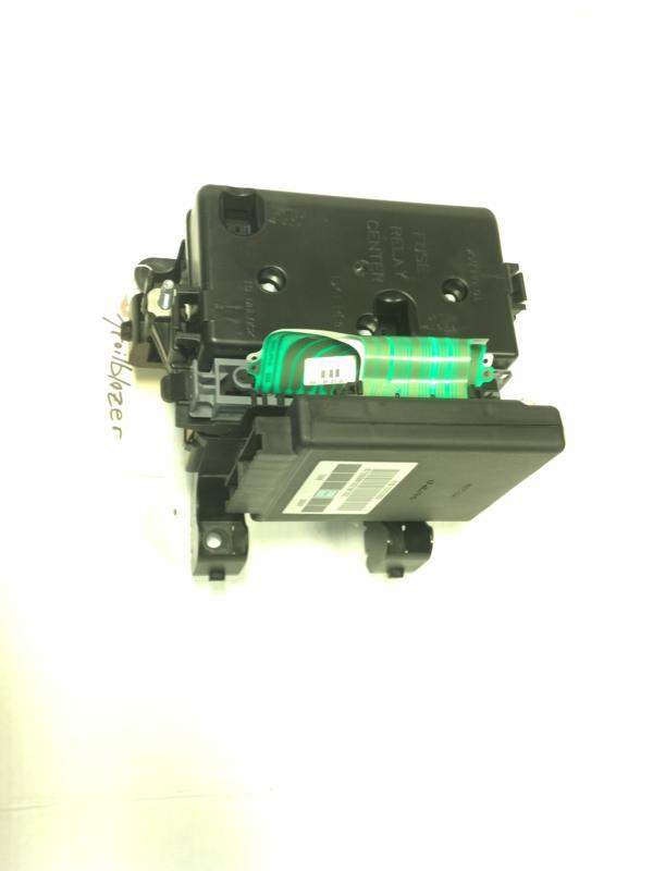 06-09 Trailblazer SS Fuse Box With Body Control Module