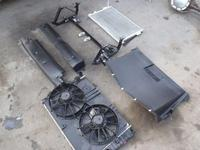 C5 Corvette MANUAL Radiator, Condenser Fans and Support 52470606