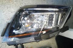 08-14 Cadillac CTS-V Driver Side Headlight HID 25897361